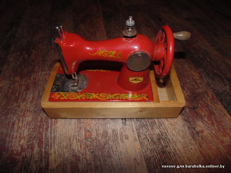 Детская швейная машинка (шьёт
