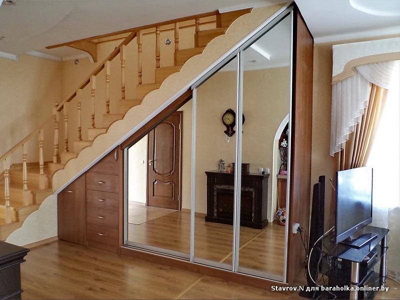 Как под лестницей сделать шкаф своими руками