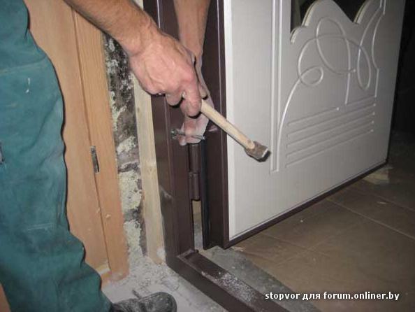 Устанавливаем металлические двери своими руками фото