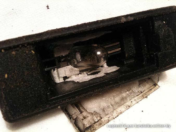 поменять лампочку в подсветке номера фольксваген крафтер