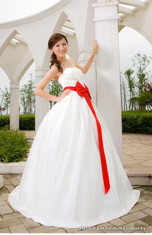 Свадебное платье с красным бантом, новое. Р-р 44-46 Стильное Новое