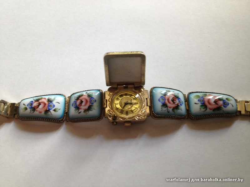 женские часы наручные кварцевые CITIZEN JAPAN бу на отличном ходу, в прекрасном состоянии корпус бело-золотой, с защелкивающейся крышкой корпуса