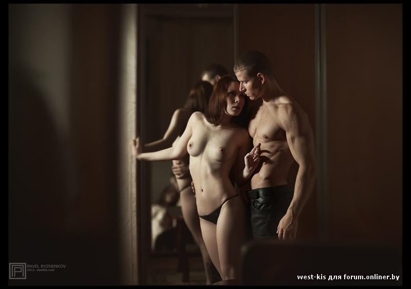 эротическиеи фото одна женщина и двое мужчин