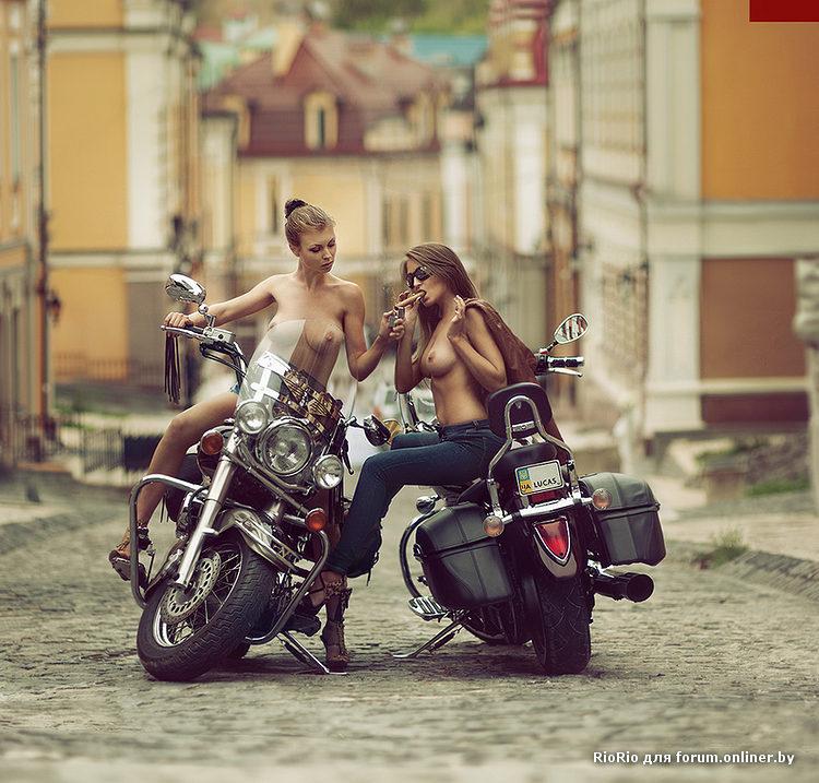 фото семейных пар на мотоцикле ню