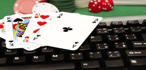 Белорус: играл в онлайн-покер — забросил друзей и девушку, потолстел и ничего не заработал