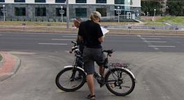 Велосипедист: раз пешеходам наплевать на нас, то и нам наплевать на них