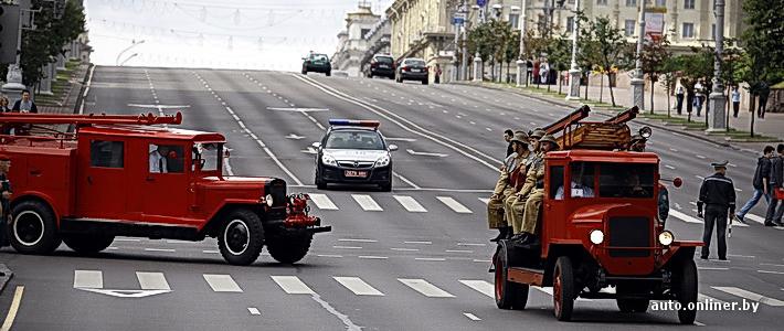 Как в Минске проходил парад техники МЧС