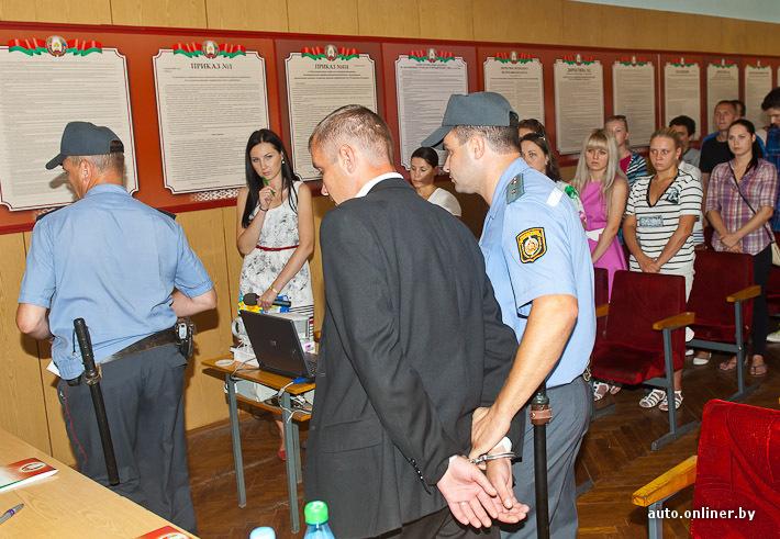 Водитель, оказавший сопротивление сотрудникам ГАИ, осужден на полгода