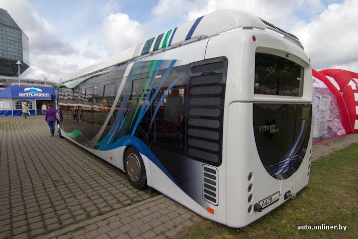 Тискали в автобусе