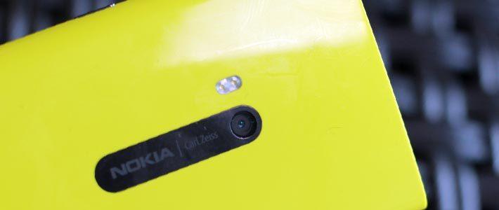 Nokia обвинили в подделке промофото Lumia 920