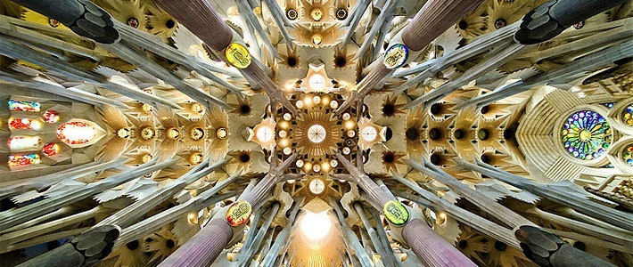 Всемирно известные здания: Барселона архитектора Гауди