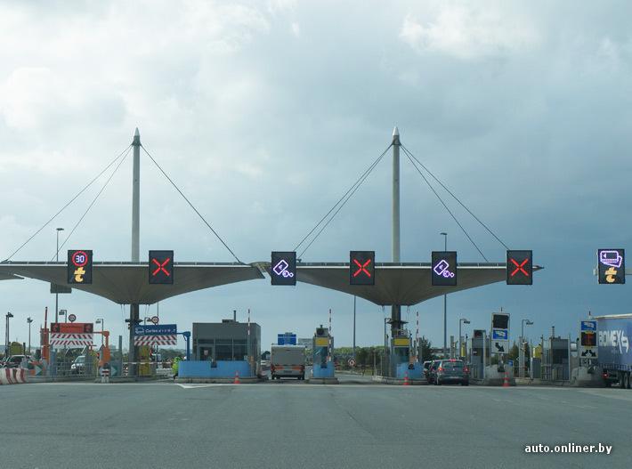 Передвигаясь по французским автобанам готовьтесь платить по пару евро каждые 30 - 40 км
