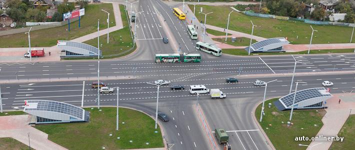 и 33 автобусных маршрута