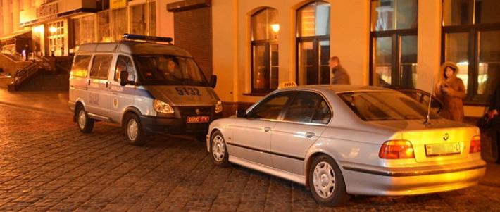 Таксисты-нелегалы готовы съесть деньги, лишь бы не попасться налоговой инспекции - Авто onliner.by.