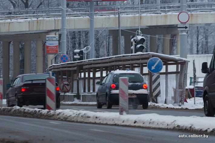 светофор со знаком пешеходный переход