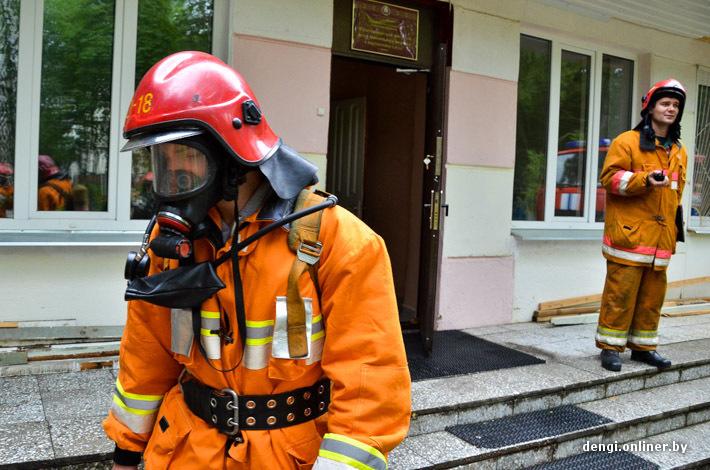 фото пожарного в форме из мультика