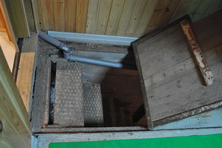 Крышки на погреб в гараж своими руками