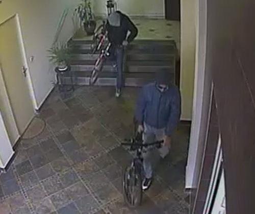 Трое парней похитили велосипеды из подъезда дома на улице Пионерской - Недвижимость onliner.by