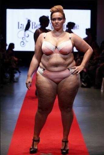 Фото толстушек нижним белье фото 80-192