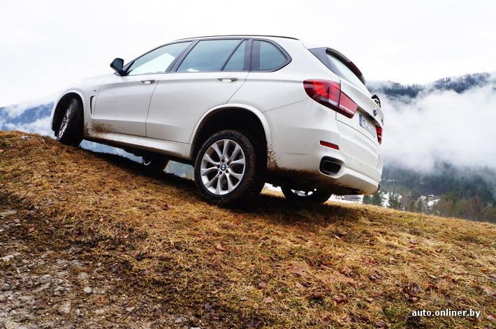 5-местные версии BMW Х5 можно заказать с задней пневмоподвеской, 7-местные модификации имеют данную опцию по умолчанию