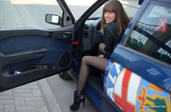 Девки в колготках в машине