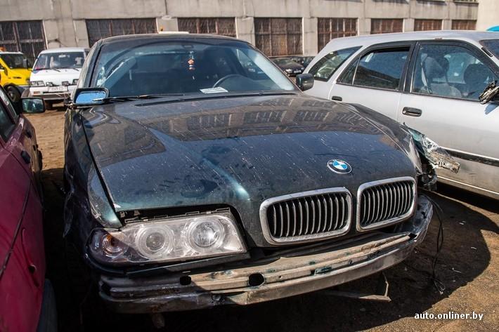 Драйв под кайфом. Пинчанин на BMW повредил в Минске около 10 автомобилей