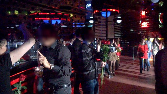 Как развлекаются в женских клубах фото 522-501