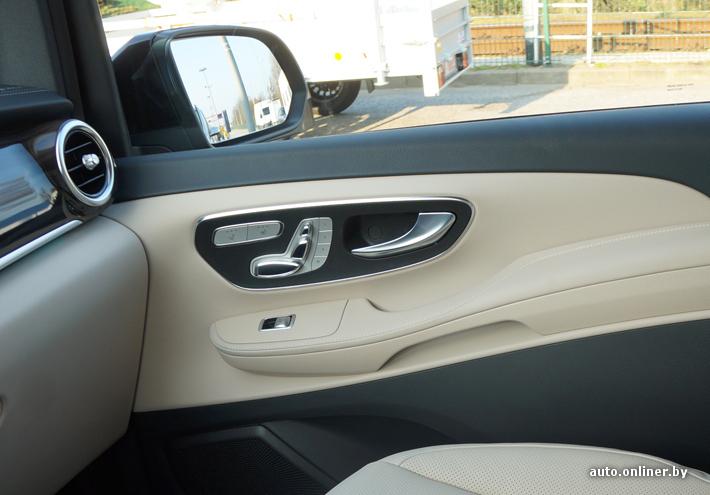 Блок управления креслом и клавиши стеклоподъемников/зеркал такие же как у нового C-Class
