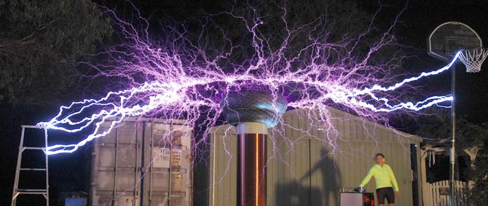 Инженеры обеспечили беспроводную передачу энергии на пять метров