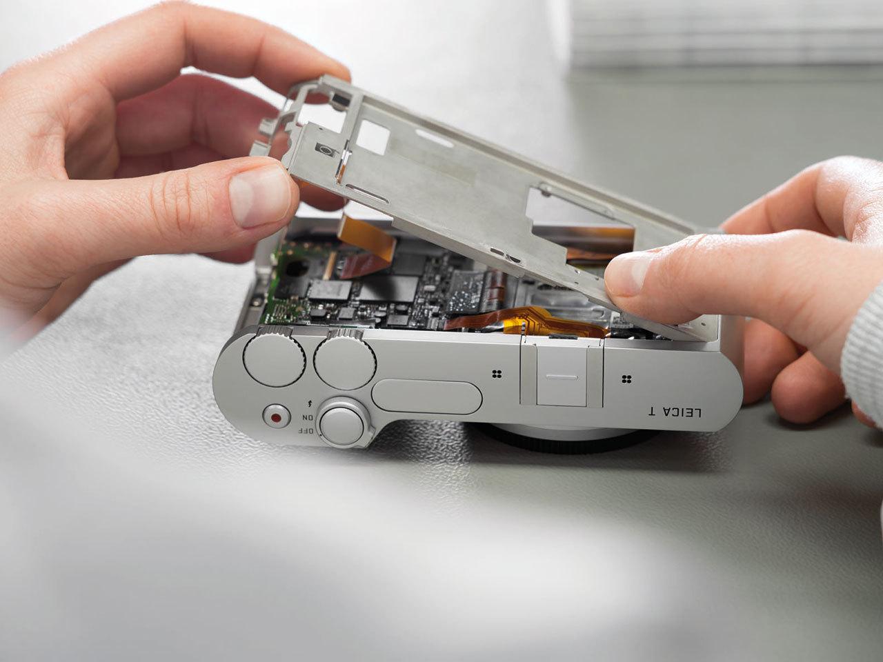 Установка фирменного логотипа Leica:: https://tech.onliner.by/2014/04/25/leica-t