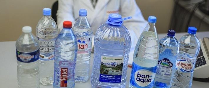 Росконтроль проверил качество питьевой воды разных производителей и включил Bonaqua в черный список