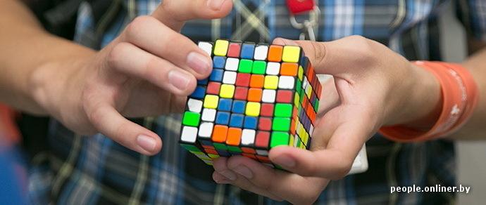 сборке кубика Рубика
