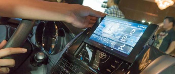 Toyota будет использовать планшеты Nexus в качестве бортового компьютера