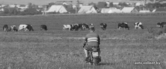 В Лельчицком районе мотоциклист-«бесправник» сбил девушку и скрылся
