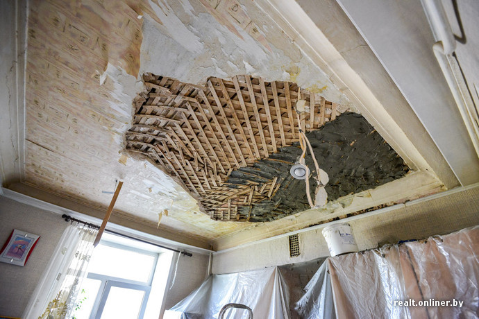 Как закрепить дранку на потолке в сталинке