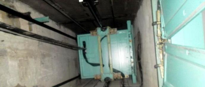 «Мы застряли в лифте, идет дым, уже задыхаемся!» — аудиозапись МЧС с операции по спасению двух женщин из задымленной кабины лифта