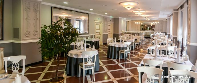 В историческом центре Минска открылся ресторан «Авиньон»: коктейльные сеты, блинчики с икрой за 3 миллиона рублей, элементы молекулярной кухни