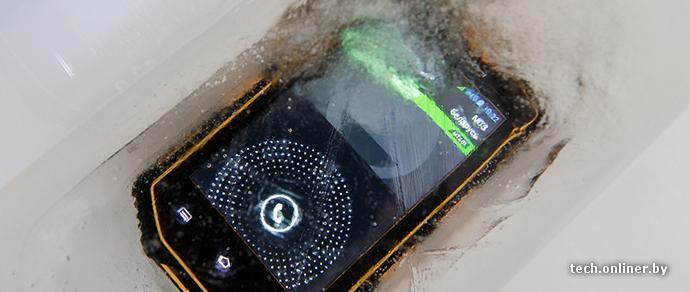 Непобедимый «орехокол», или Жестокий краш-тест защищенного смартфона Senseit R390
