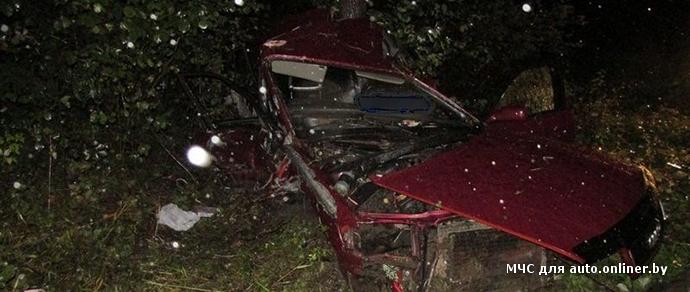 В лобовом столкновении Audi и Renault под Лепелем чудом никто не пострадал