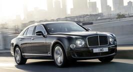 Самый большой седан Bentley научили разгоняться до сотни за 4,9 секунды