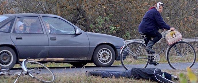 Эксперимент ГАИ: сколько водителей остановится помочь упавшему велосипедисту