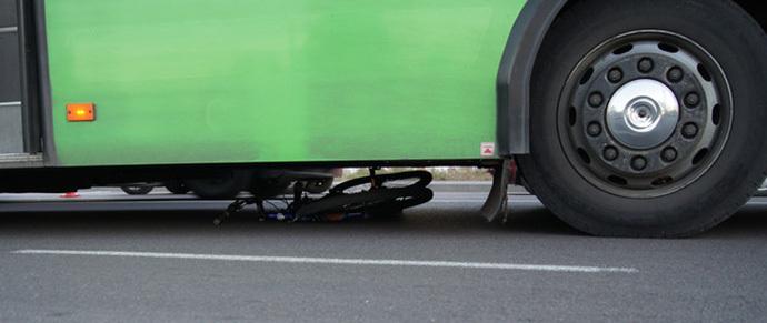 В Бресте городской автобус насмерть сбил второклассника