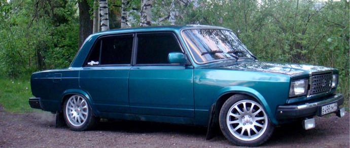 «Семерка» остается самой популярной машиной в России