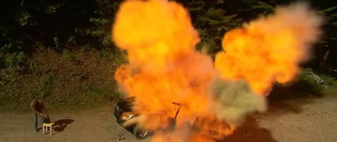 Немецкий автожурналист взорвал китайскую копию BMW X5