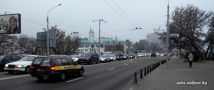 Из-за мелкой аварии в центре Минска образовался серьезный затор