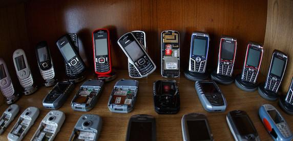 Приступ ностальгии: белорус собрал крупнейшую в стране коллекцию телефонов Siemens