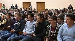 Новая попытка отвадить молодежь от спайсов: студентов позвали на открытое судебное заседание над 24-летним минчанином