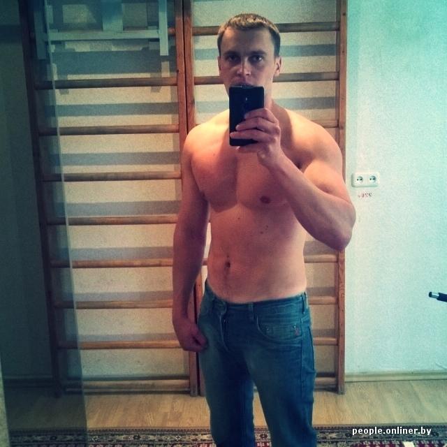 Фото красивая блондинка фоткает сама себя из зеркала фото 124-827