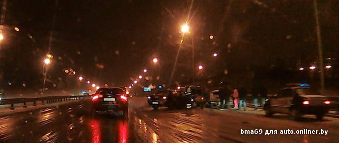 В день первого снегопада в Минске зафиксирован небольшой рост ДТП — 125 случаев
