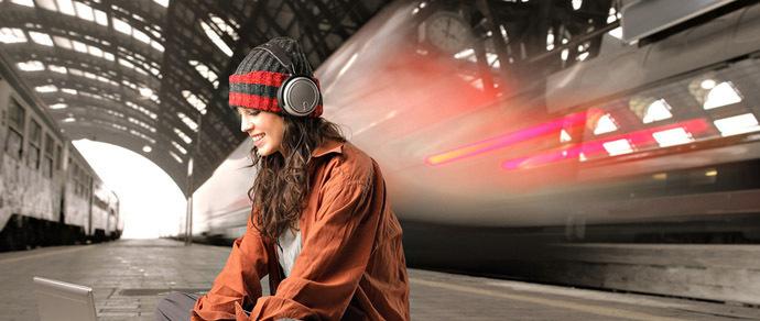 Метрополитен объяснил, почему теперь на платформе в метро нельзя пользоваться наушниками
